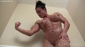 ripped nude girl bodybuilder plays in.