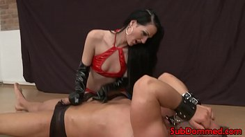 caboose-shag playing femdom gives stud foot.