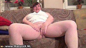 very chesty older mommy is undressing