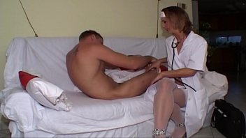 nurse is pulverized on the clinic.