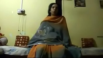 indian aunty gargling is spouse penis prettily on indiansxvideocom