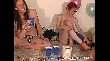 darering gals licking twat and jacking