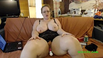 gigantic big mummy ejaculation comming