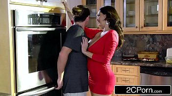 supah-naughty bored mommy ava addams plows her daughter039_s.