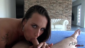 supah-naughty hookup addict mea melone plow her culo.
