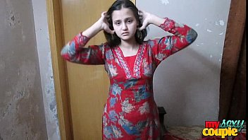 indian wifey sonia in shalwar suir undresses nude.