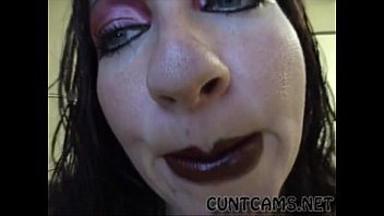 gothic superslut puts on her meatpipe deepthroating lip.