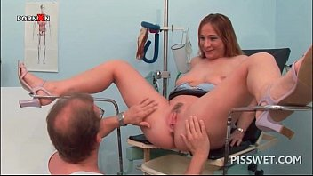naughty stunner getting snatch ate urinates in medics throat