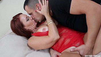 true cougar janet mason knows how to treat trunk
