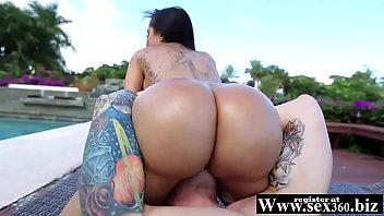 humungous donk lela starlet bouncing on a rigid.