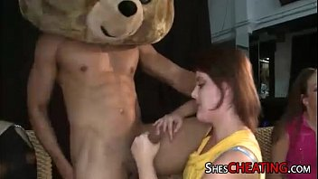 dancing-teddy with bigdick gets oral-hook-up at.