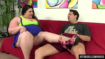 supah-hot plus-size bella bendz deep throats a guy039_s.