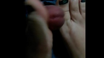 feet masturbate and toejob with green.