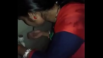 desi bhabhi dt in shower
