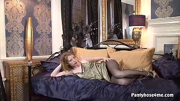 cougar in stocking has steamy solo.
