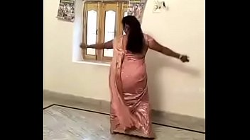 cool steamy aunty doing desi mujra