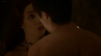 carice truck houten melisandre bang-out episode game of.