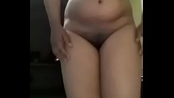 kerala chick showcasing her bod parts for her paramour