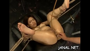 nude chinese beauty gets man to poke her.