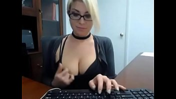 milfsexycamcom-assistant caught jack at work