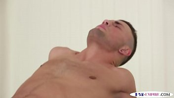 bulky hunk porked during mmf three-way