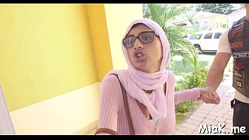 arab oral-stimulation inwards the douche bedroom