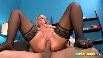filthy mature blondie in tights