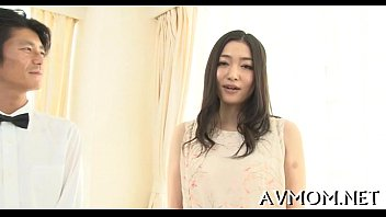 chinese cougar love colon poung act