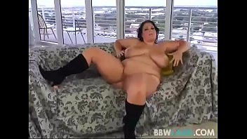 messy conversing plumper brandy ryder plays with her fuckbox